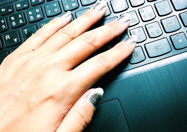 益田市でPCサポートの委託を承る会社が教えるパソコンと静電気の関係